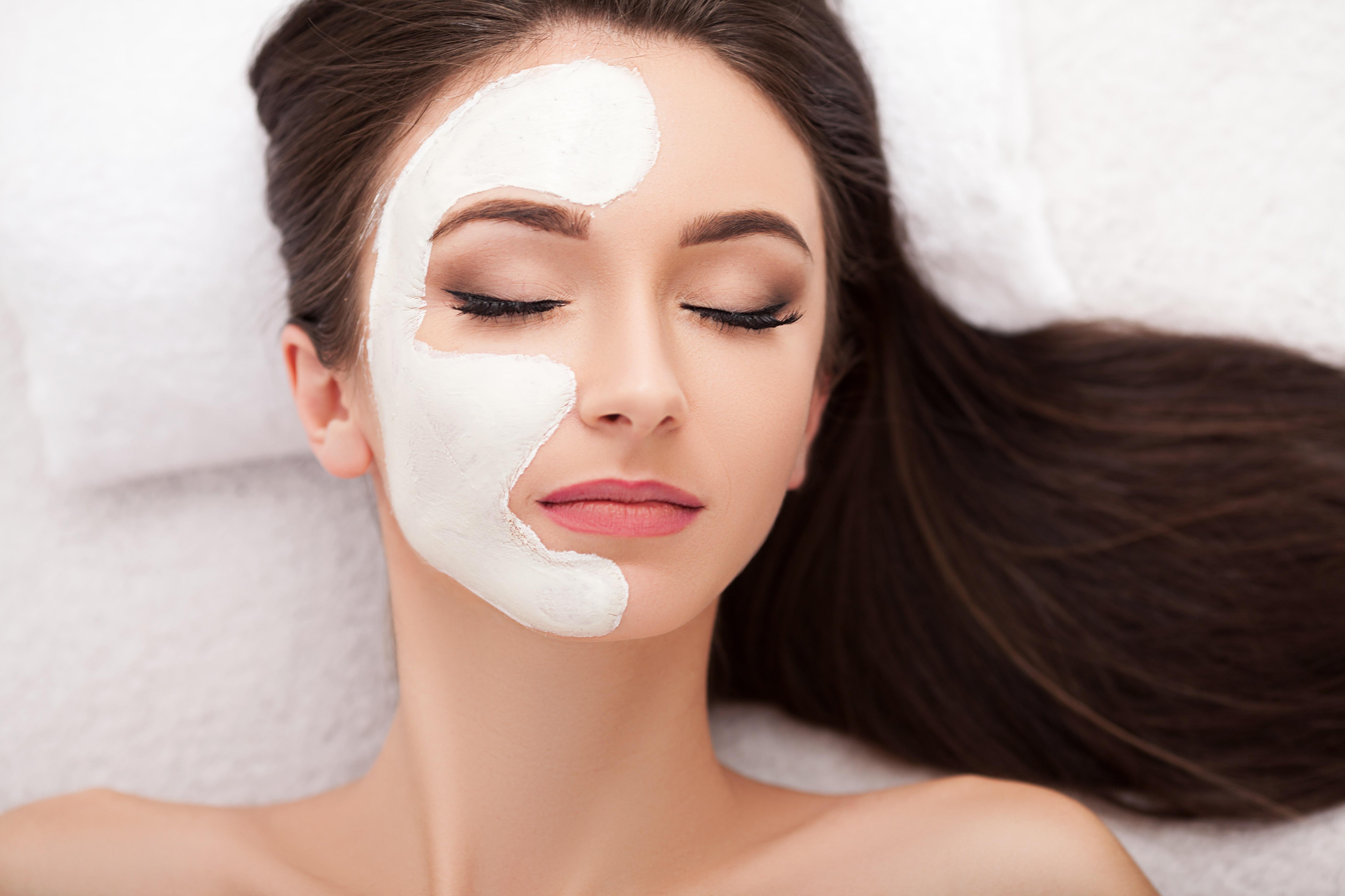 I consigli per proteggere la pelle in autunno